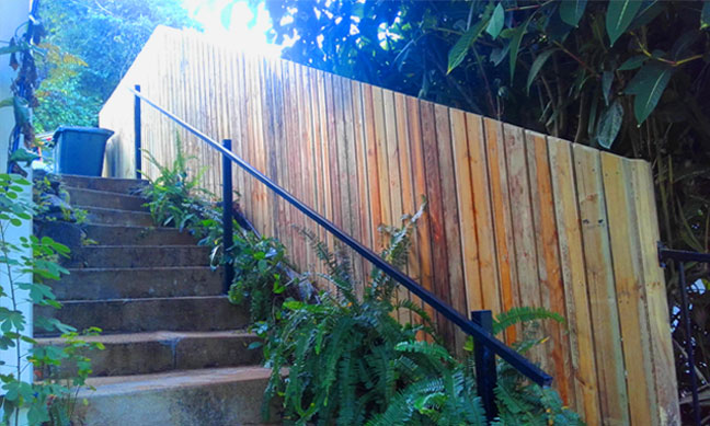 timber-fencing-service-cairns