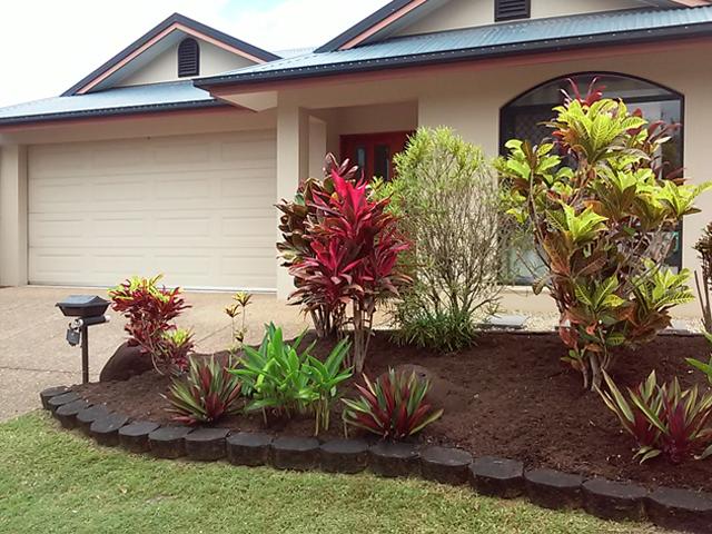 Garden-Mulching-Services-Cairns